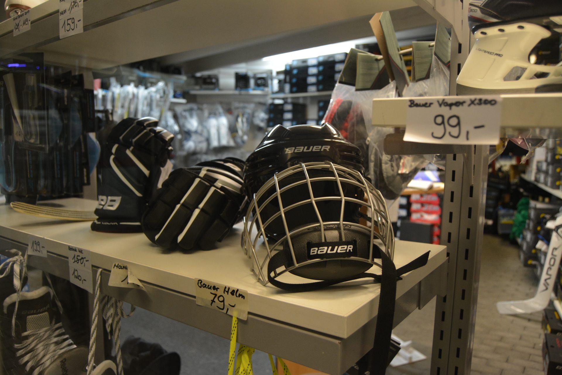 Eishockey Helme
